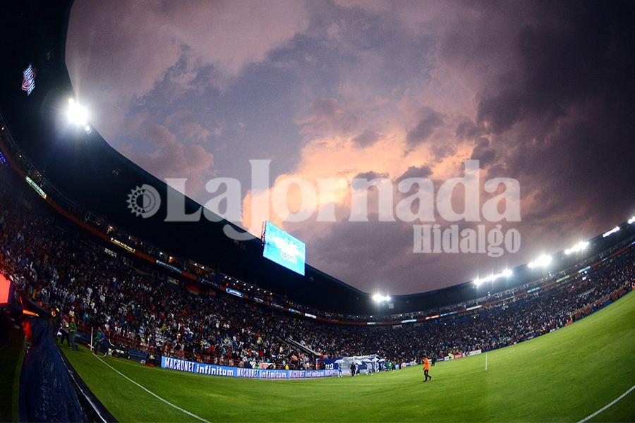 Estadio Afición Tuzos-Pumas