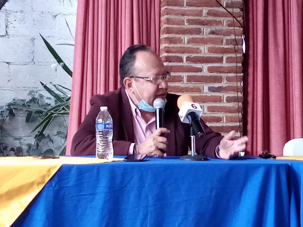 Navor Rojas en conferencia