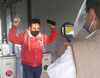 Instalan termómetros digitales en 16 estaciones del Tuzobús
