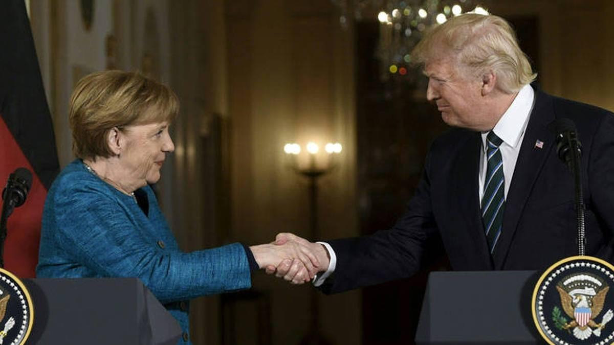 """Merkel ve """"problemática"""" la suspensión de Trump en Facebook y Twitter"""