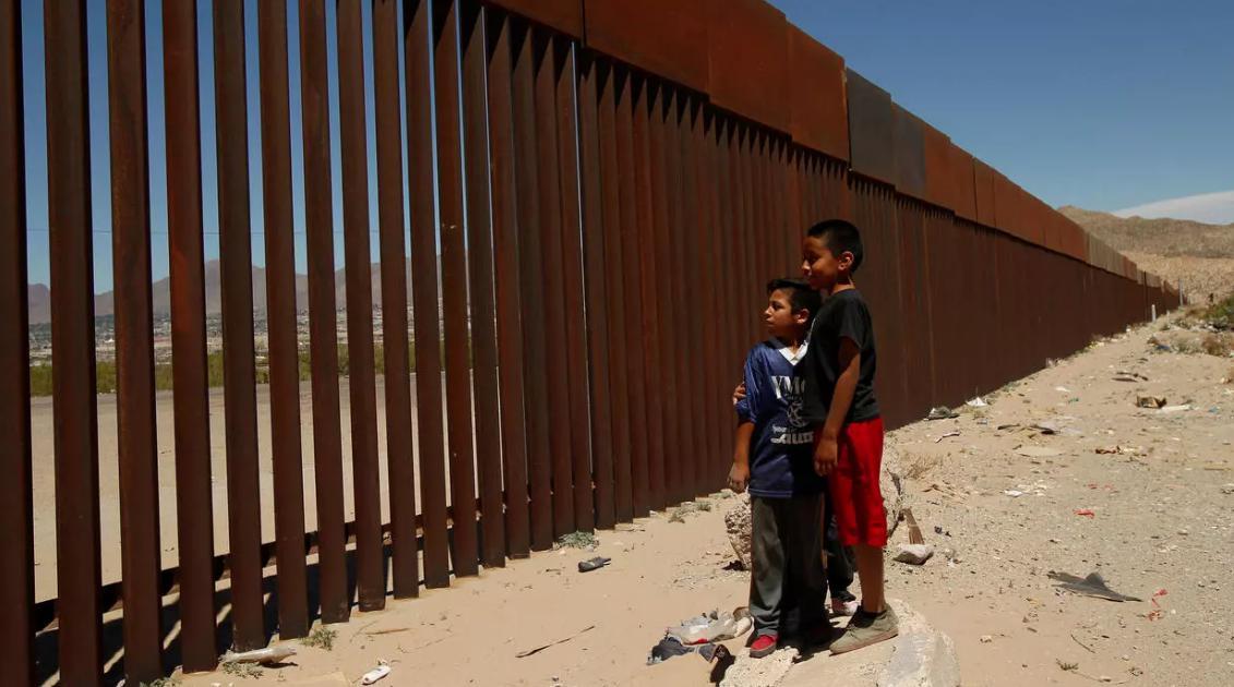 """""""No se desviarán más dólares de los contribuyentes estadounidenses para construir un muro fronterizo"""", dijo Biden"""