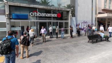 La Asociación de Bancos de México informó que este jueves 1 y viernes 2 de abril las sucursales bancarias permanecerán cerradas al tratarse de días feriados. Foto Pablo Ramos / Archivo