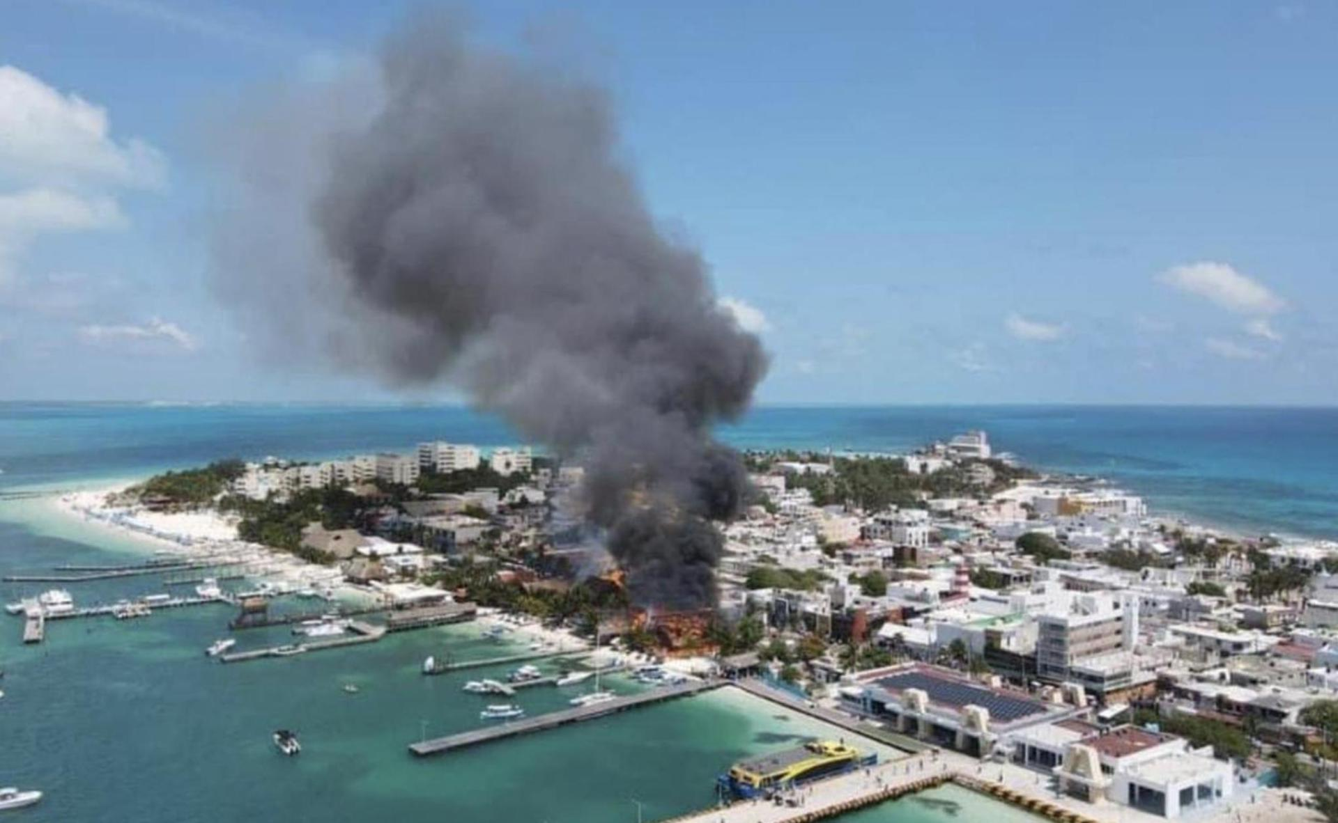 Incendio en Isla Mujeres